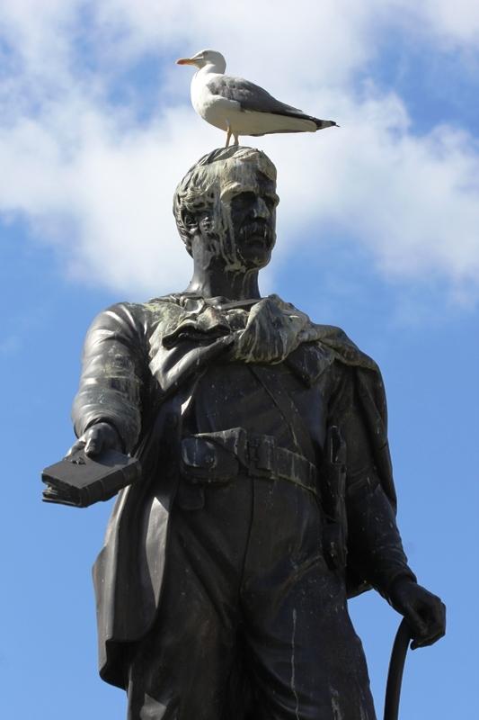Памятник путешественнику Давиду Ливингстону, Эдинбург, Шотландия