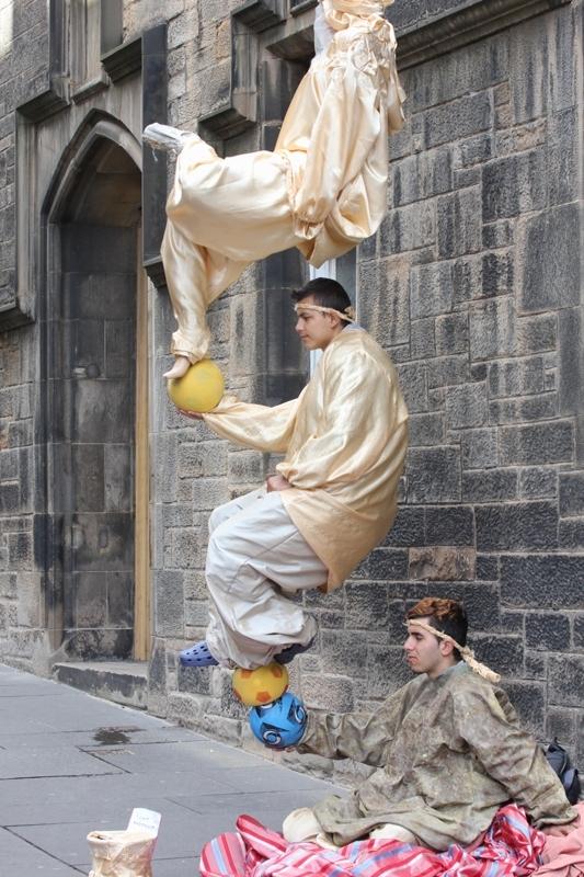 Живые статуи в Эдинбурге