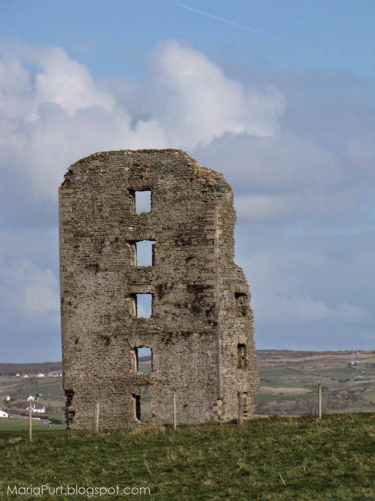 Разрушенный замок в Ирландии