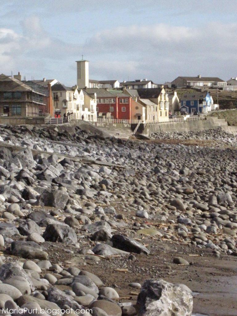 Каменистый берег в Ирландии