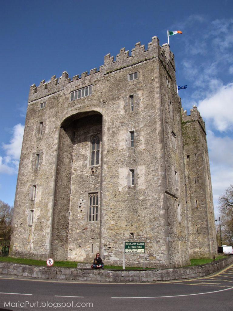 Замок в городе Бунратти, Ирландия