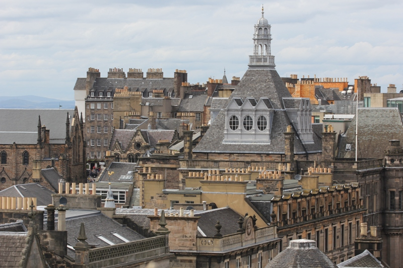 Вид на Эдинбург с высока