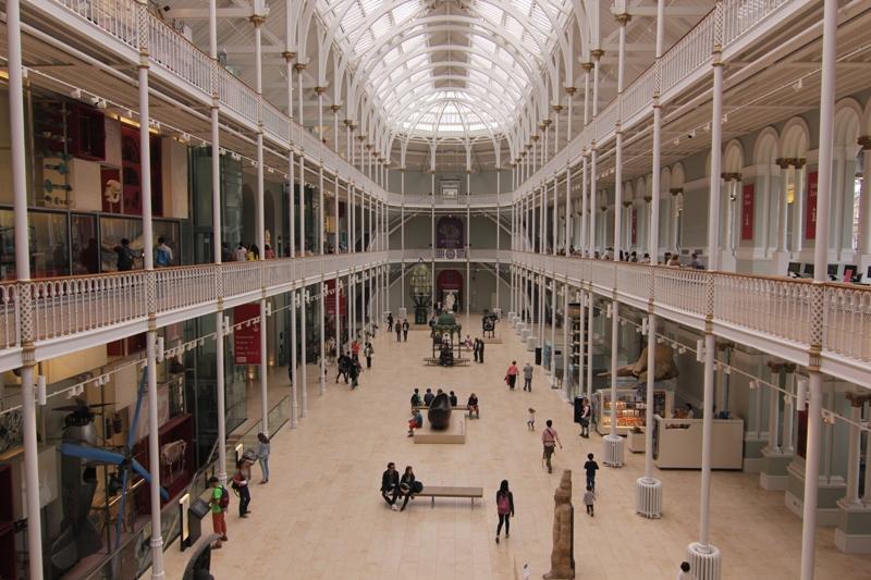 Внутри Национального Музея Шотландии, Эдинбург
