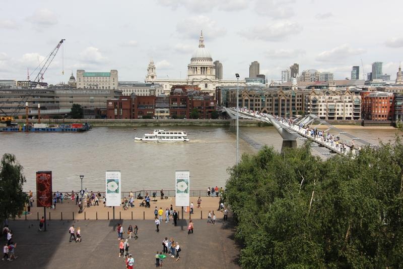 Темза и мост Миллениум, Лондон