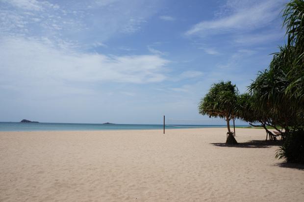 Безлюдный пляж на острове Цейлон, Шри-Ланка