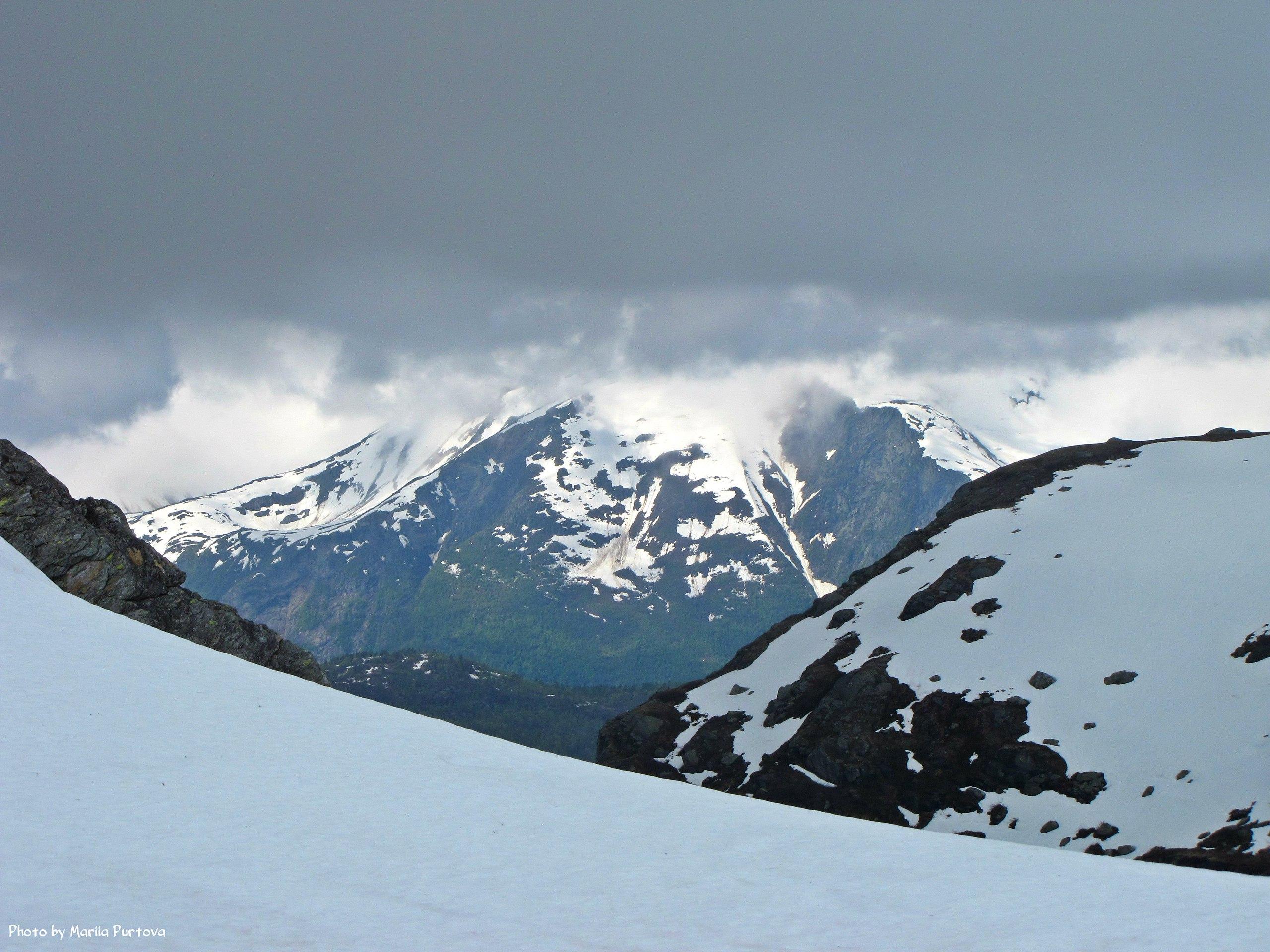 Снежные горы в Норвегии