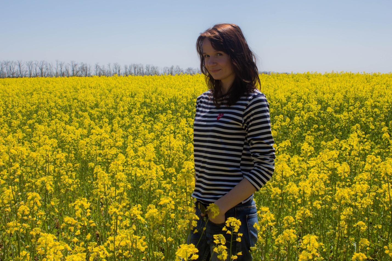 Блог Анны. Фото в цветущем желтом поле, Ставропольский край