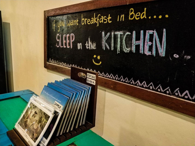 На кухне хостела в Джокьякарте, Ява