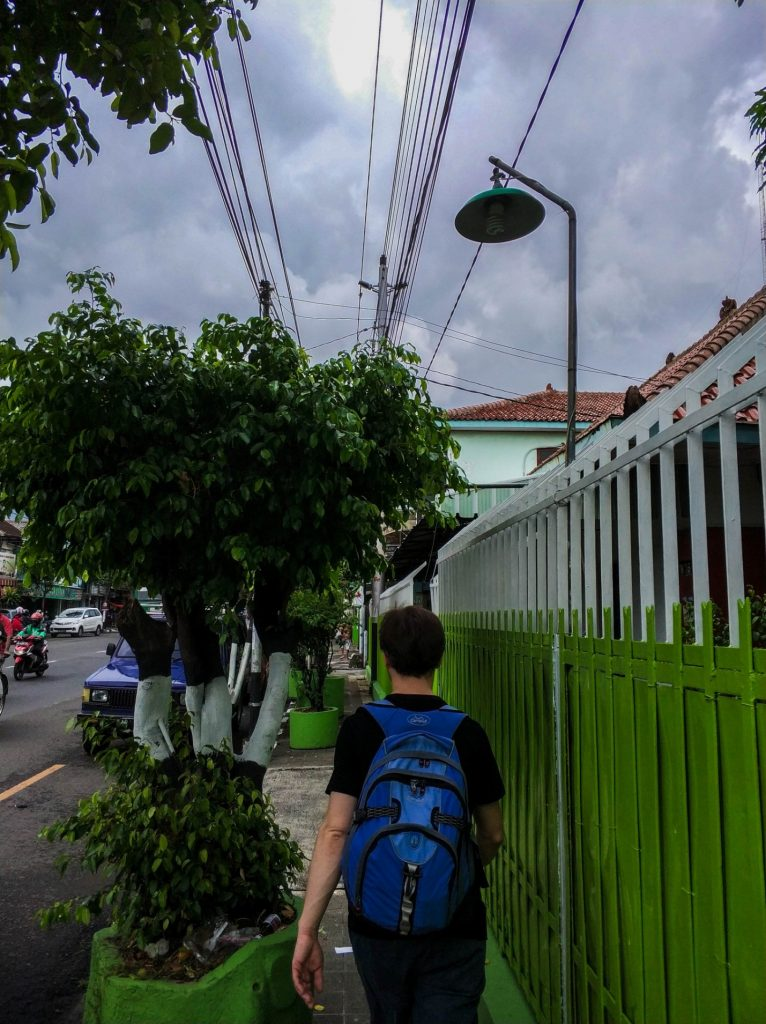 Турист на улицах Джокьякарта, Ява