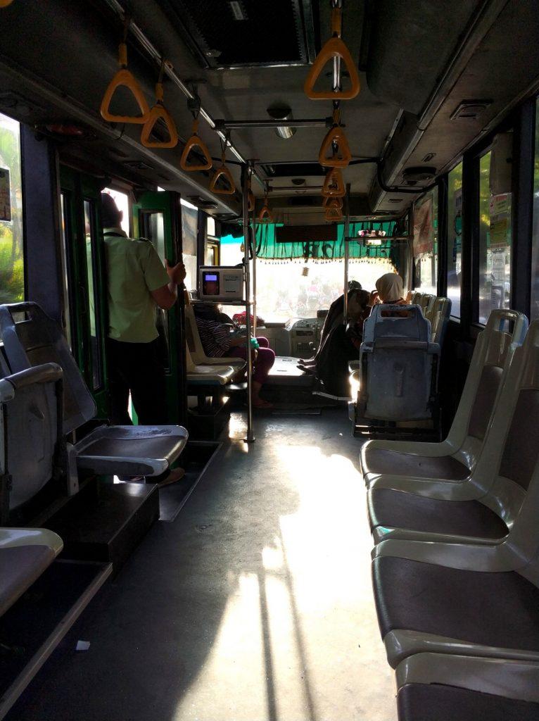 Автобусы на острове Ява, общественный транспорт