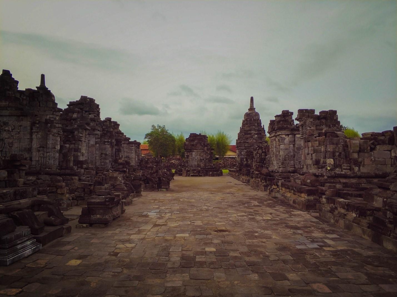 Храм Севу на острове Ява