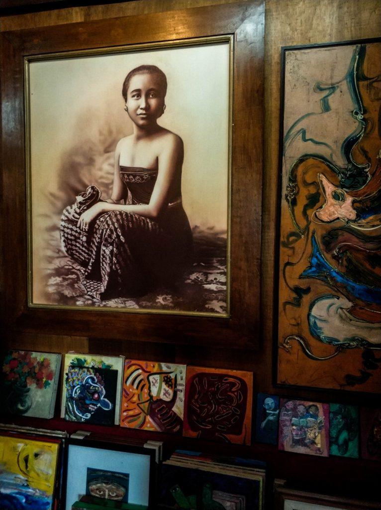 Мастерская батика на острове Ява, Индонезия