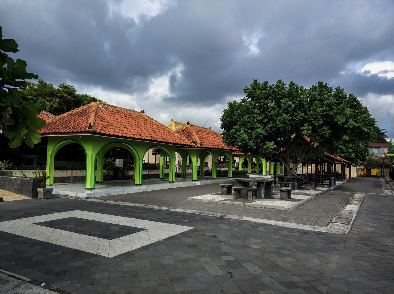 Улица острова Ява
