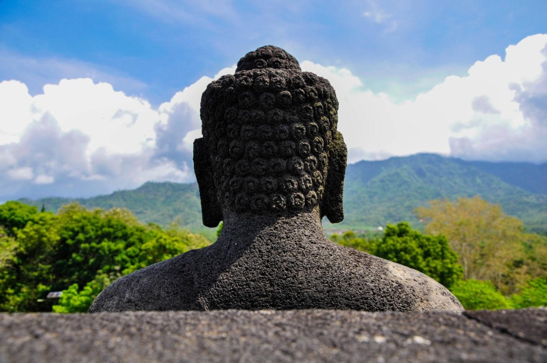 Статуя Будды в Боробудур, остров Ява