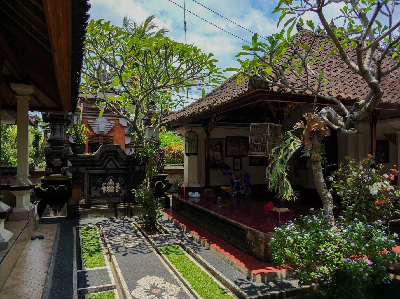 Территория отеля на Бали