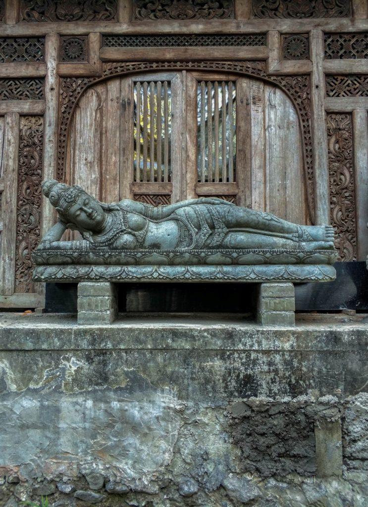 Скульптура на острове Бали