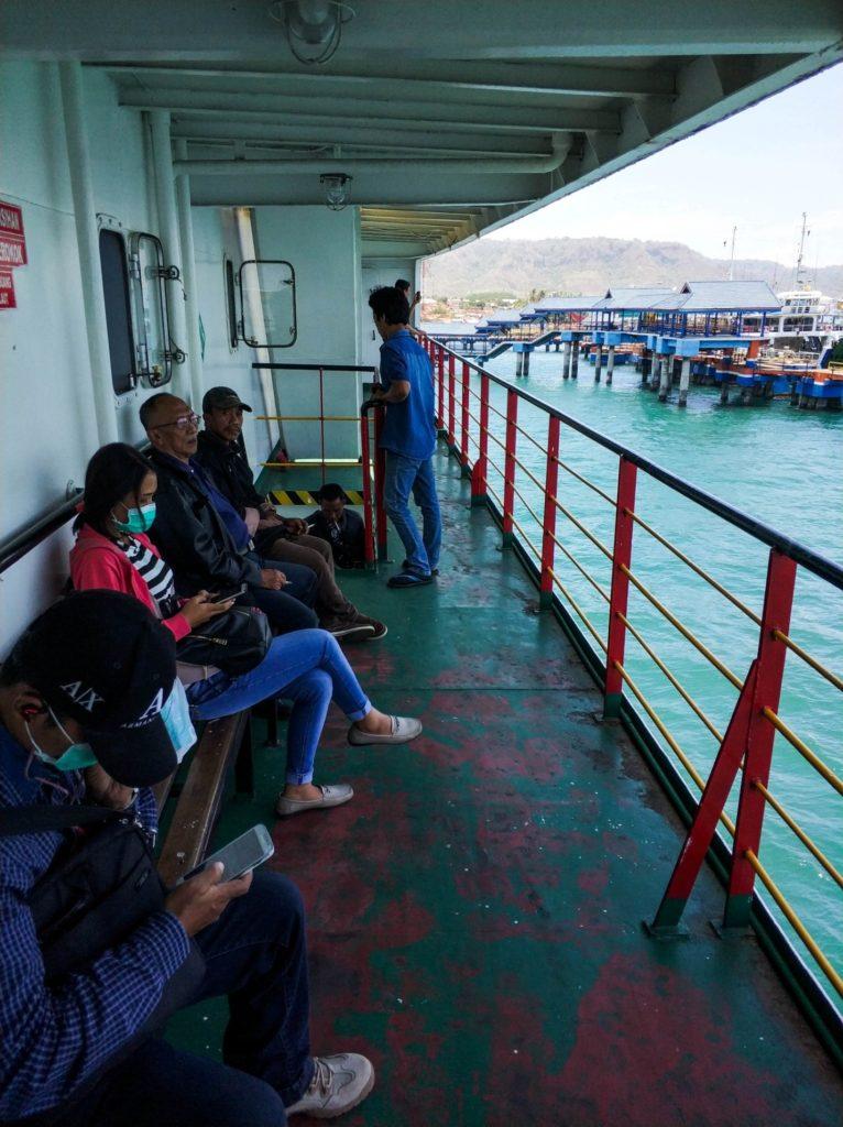 Переправа на Бали. Местные жители
