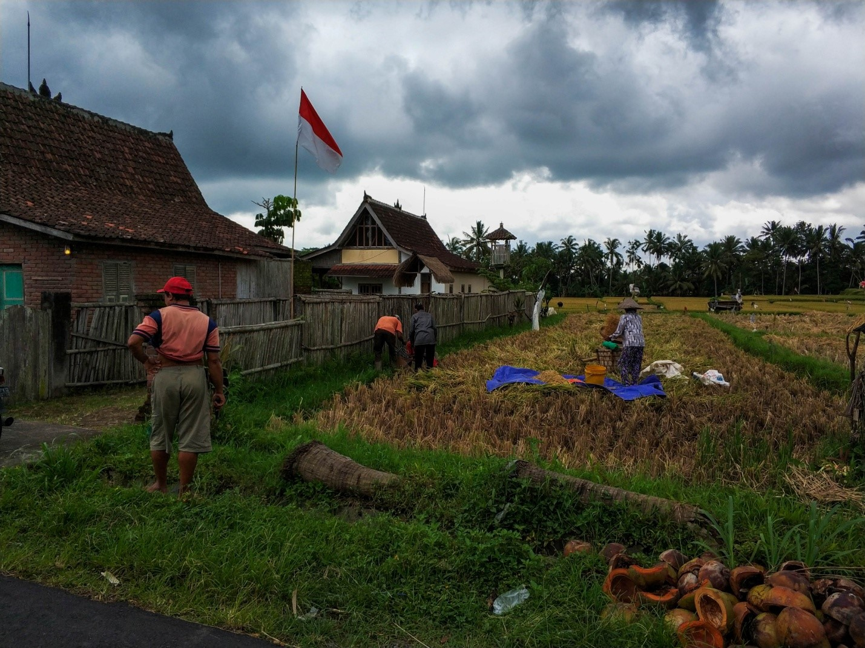 Местные жители на Бали