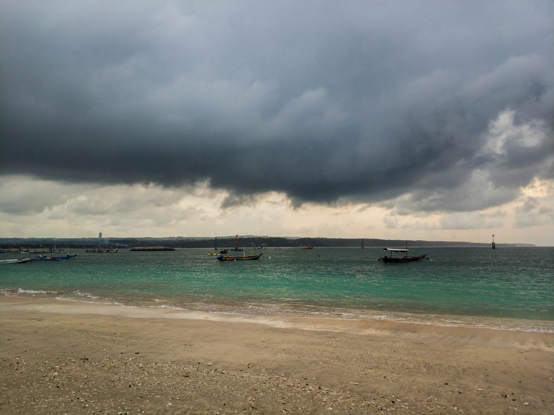 Океан, берег на Бали