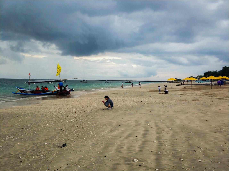 Океан, пляж на Бали