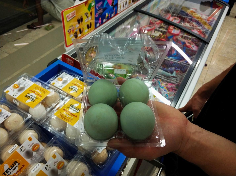 Зеленые яйца на Бали