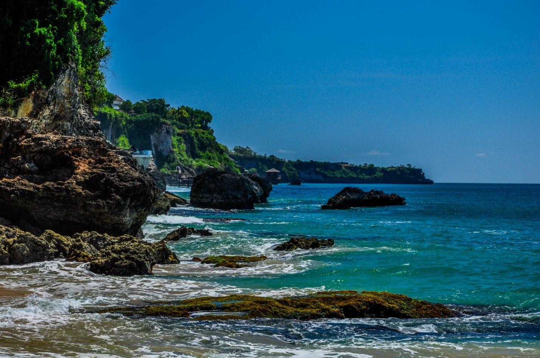 Красивый пейзаж на Бали, океан
