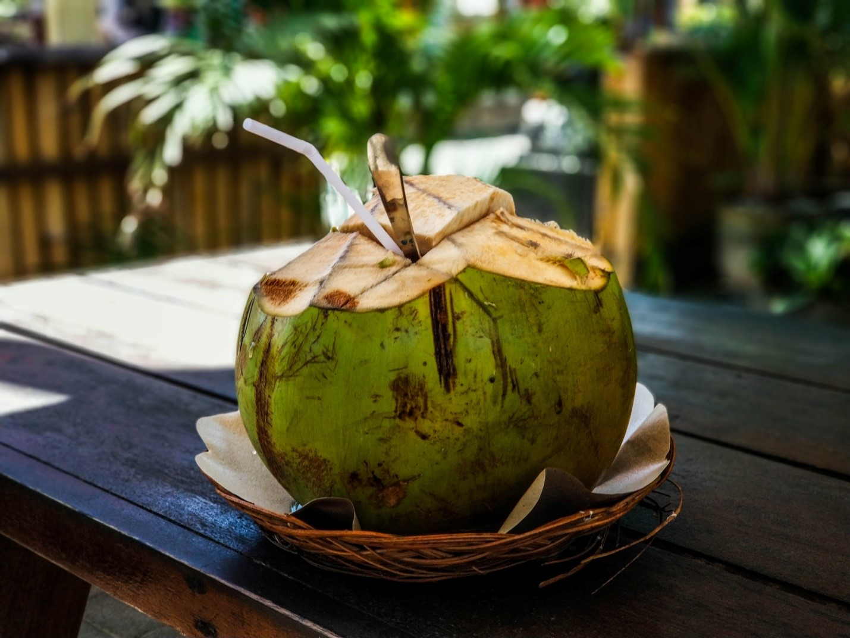 Питьевой кокос на Бали