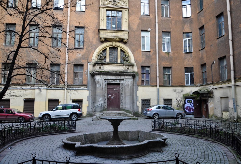 Двор доходного дома Граббе, Санкт-Петербург