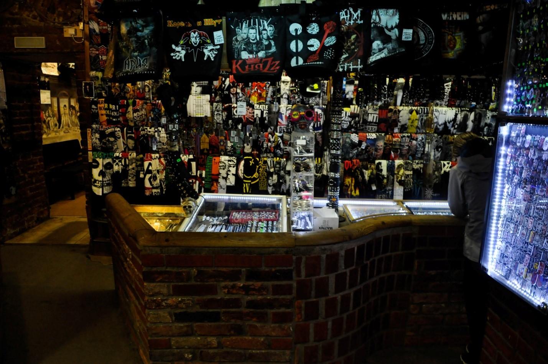 Внутри магазина Castle Rock, Питер