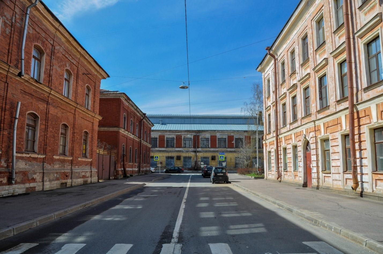 Безлюдная улица Кронштадта