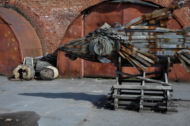 Арт-объект из мусора, Кронштадт