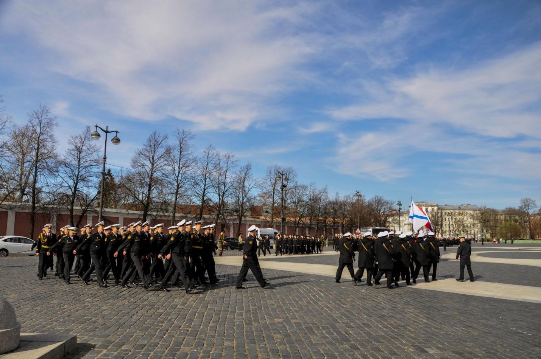 Репетиция парада на Якорной площади, Кронштадт