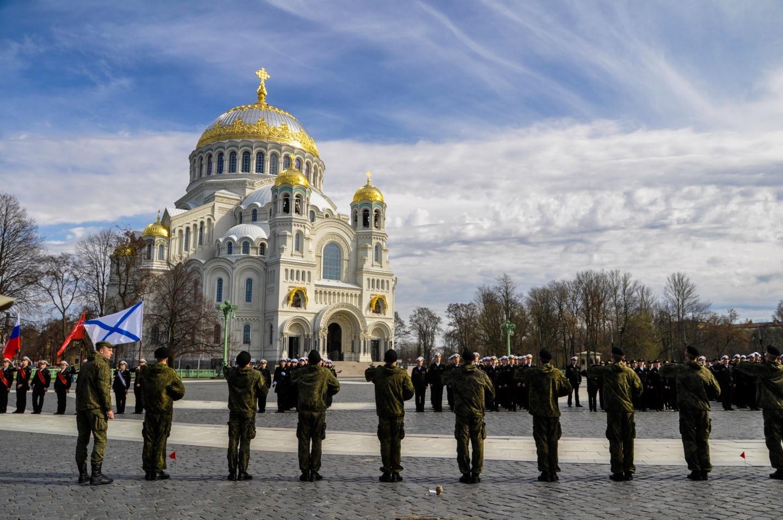 Репетиция парада на Якорной площади, Кронштадт, Морской собор
