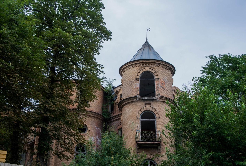 Старый заброшенный особняк в Пятигорске