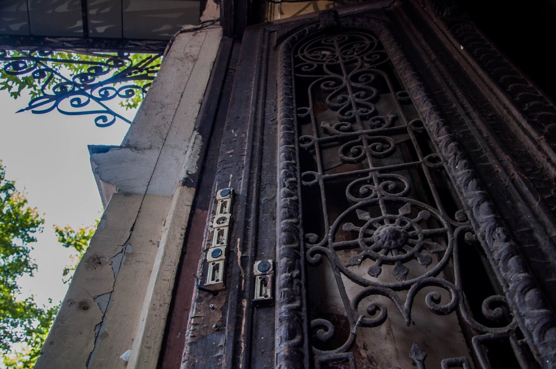 Красивая старая дверь, Тбилиси