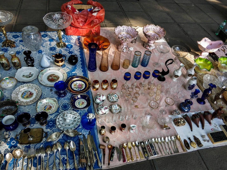 Блошиный рынок на Сухом мосту, Тбилиси