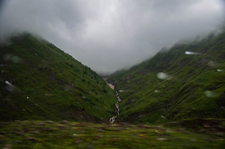 Водопад на Военно-грузинской дороге, Грузия